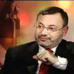 أحمد منصور يعتذر عن إهانة المملكة العربية السعودية