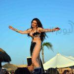 صور الراقصة دينا تظهر شبه عارية بالساحل الشمالي