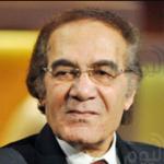 عمرو محمود ياسين معلقًا على شائعة وفاة والده: أنا اتفزعت لأني مش في القاهرة