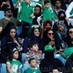 """للمرة الأولى.. السماح للمرأة السعودية بالدخول إلى الملاعب """"خطوة"""" على طريق الإصلاح"""