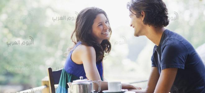 أشهر إشارات الغزل بين الرجال والنساء للتعبير عن الإعجاب