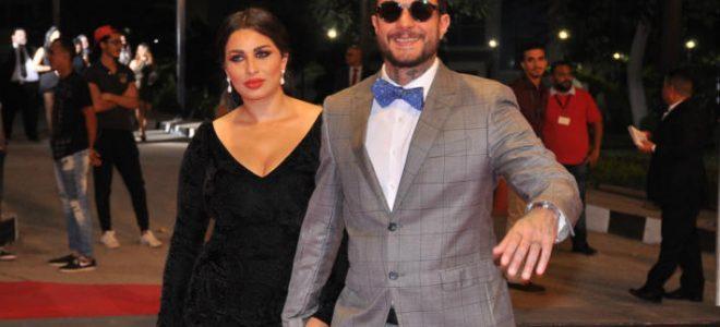 شاهد.. بعد صورة الحب الحقيقي.. أحمد الفيشاوي وزوجته في مرمى السخرية