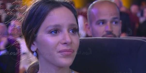 شاهد.. جميلة عوض تبكي في ختام مهرجان الجونة السينمائي