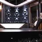 بالفيديو… لحظة نشوب حريق في استوديو إحدى القنوات الكويتية وهرب الضيوف