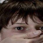 سيدة اختطفت ابن شقيق زوجها بسبب عشيقها