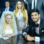 عروسة علي جبر تخطف الأنظار في حفل زفافهما.. والقبلة تشعل الأجواء